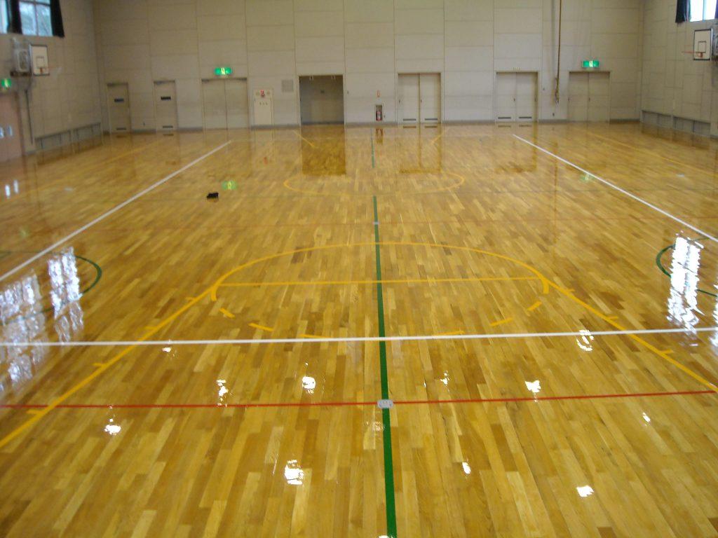 高崎市K小学校体育館サンダー塗装工事