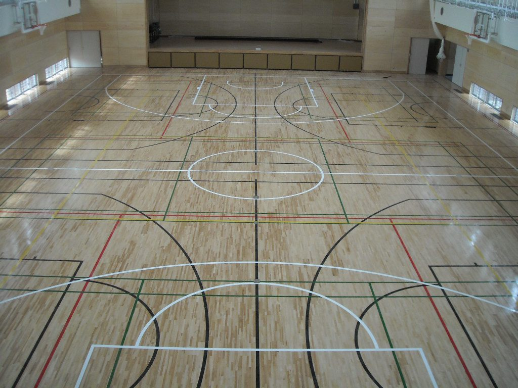 豊島区N中学校体育館床サンダー塗装工事