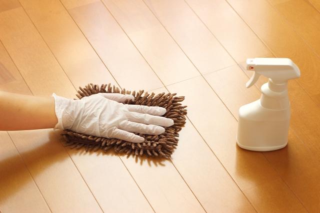 体育館スポーツフロアの特別清掃【汚れ別の処置方法】