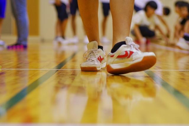 体育館スポーツフロアのワックス掛けの禁止